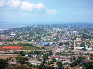 Vue aérienne de de Port-Gentil (Photo P. PINCE)