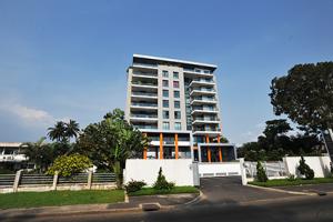 Immeuble moderne du bord de mer